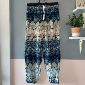 BOGO 🇨🇦 Beautiful Rayon Lounge pants